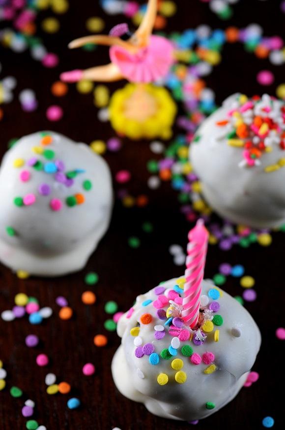 Pleasant Oreo Birthday Cake Cookie Balls Recipe Sweet Recipeas Birthday Cards Printable Trancafe Filternl