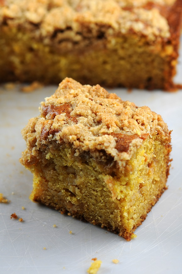 RoastedPumpkinWhiteChocolateCakewithOatmealCookieCrust1