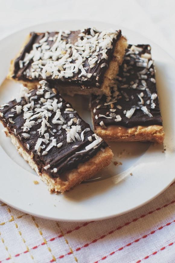 Samoas Lofthouse Cookie Bars on a plate