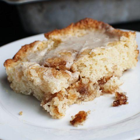 Cinnamon Roll Apple PIe Cake