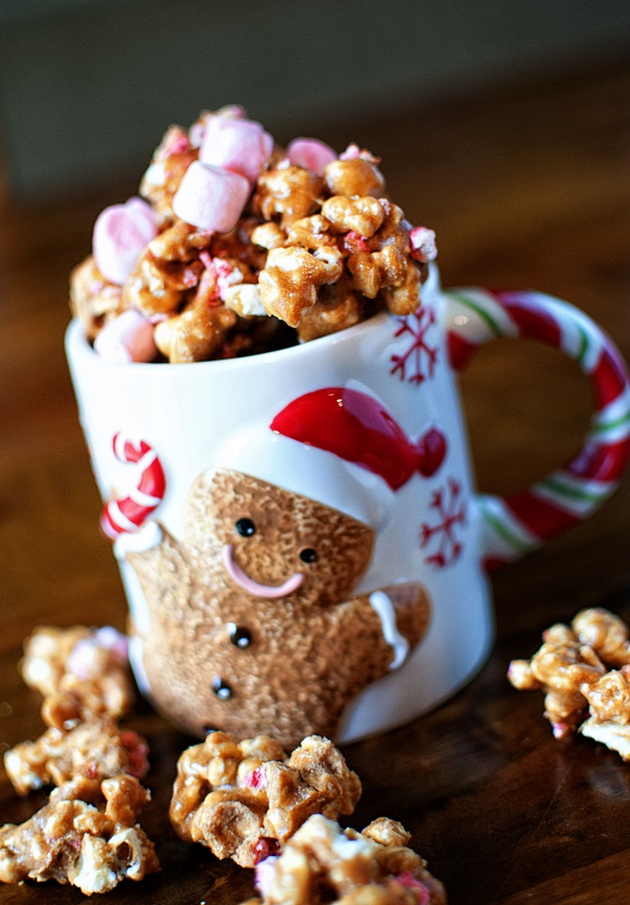 Peppermint Hot Chocolate Caramel Corn 2