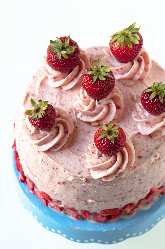 Strawberry Sponge Biscuit Cake Recipe