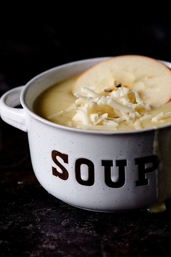 Apple Cheddar Onion Soup 02