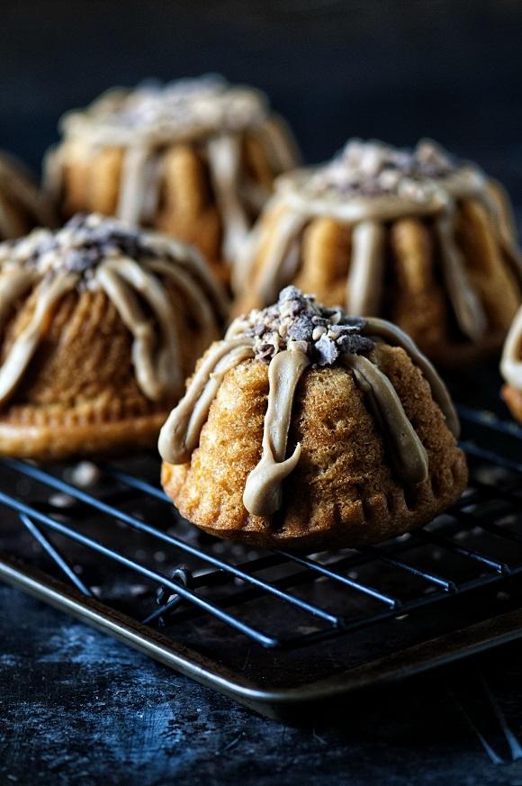 Mini Pumpkin Toffee Bundt Cakes