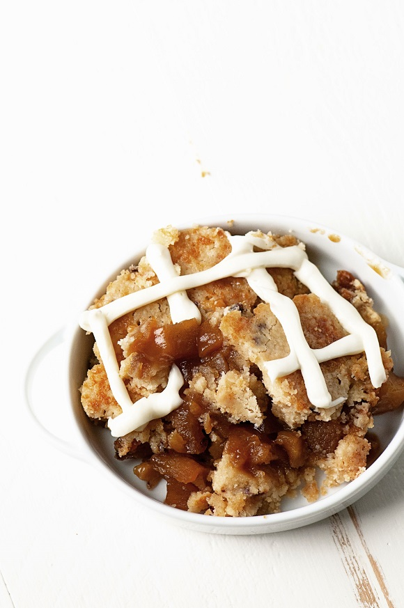 Apple Cinnamon Roll Dump Cake 03