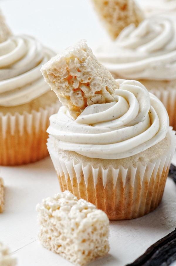 Vanilla Bean Rice Krispie Treat Cupcake 01