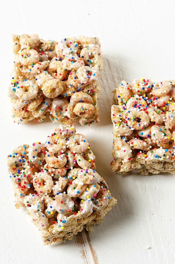 Sprinkle Donut Marshmallow Squares 01