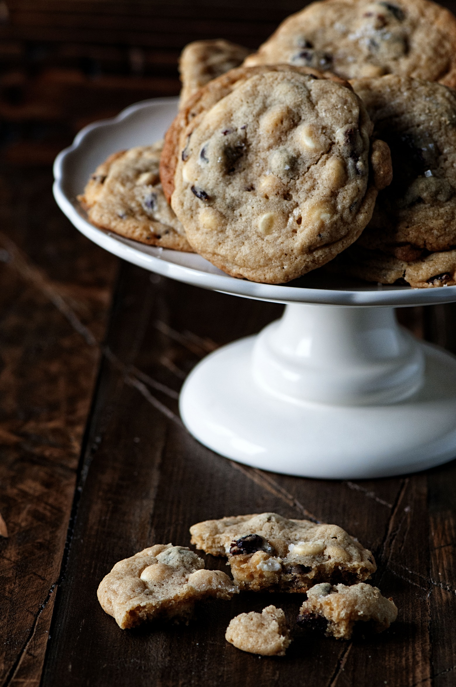 White Chocolate Cherry Espresso Bean Cookie 03