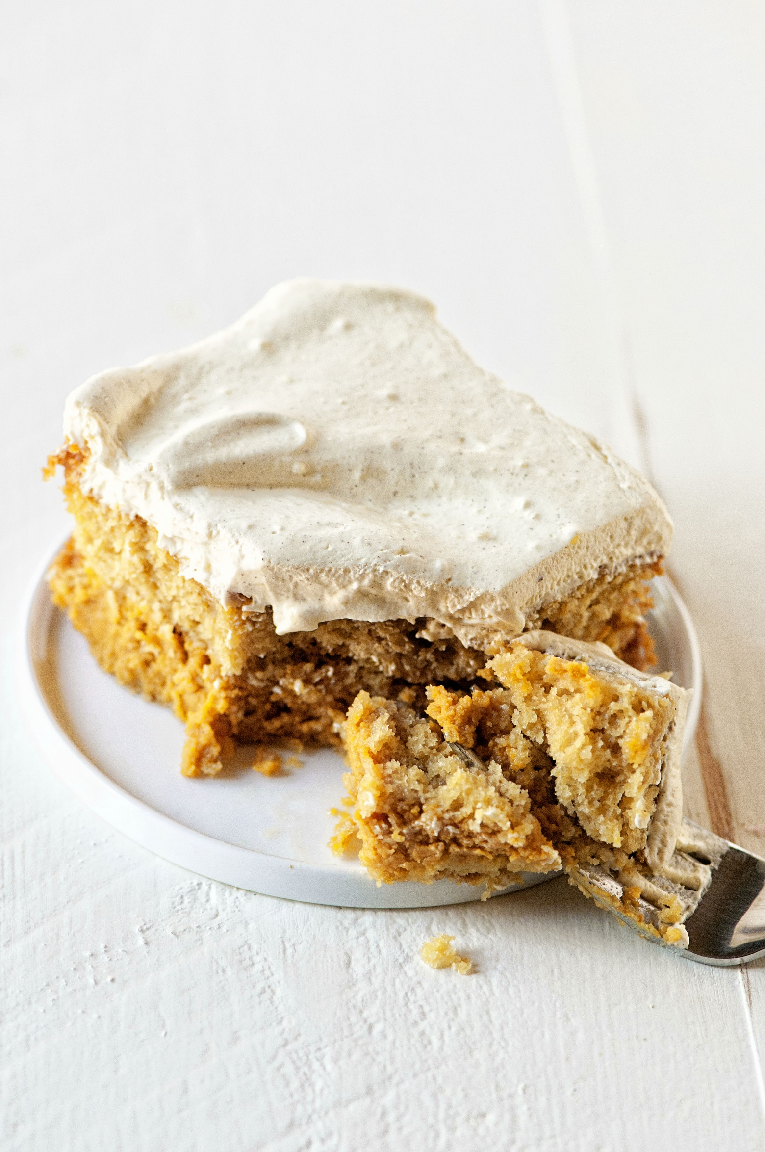 Pumpkin Spice Latte Magic Cake 02