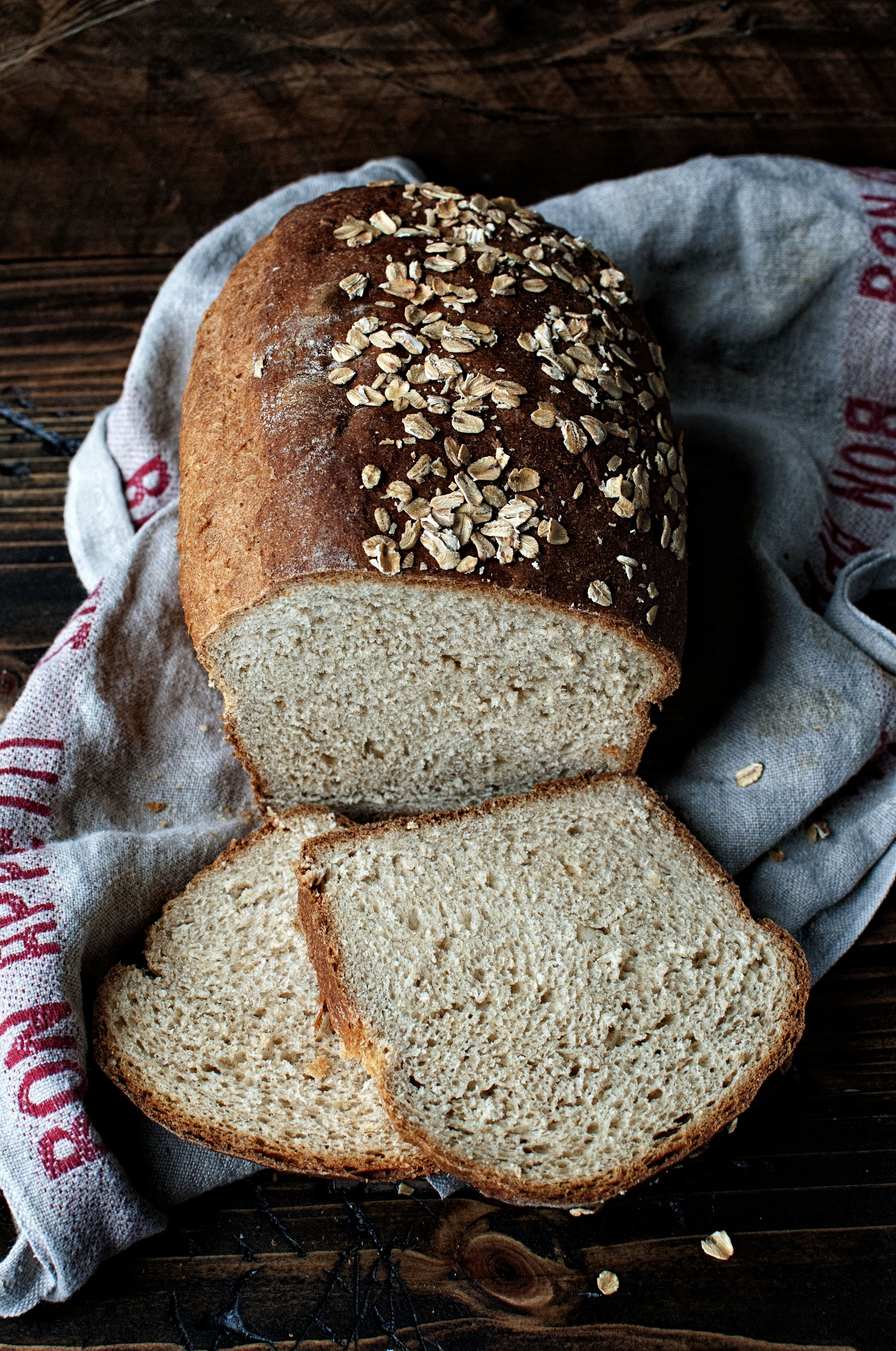 oatmeal-buttermilk-maple-sandwich-bread-02