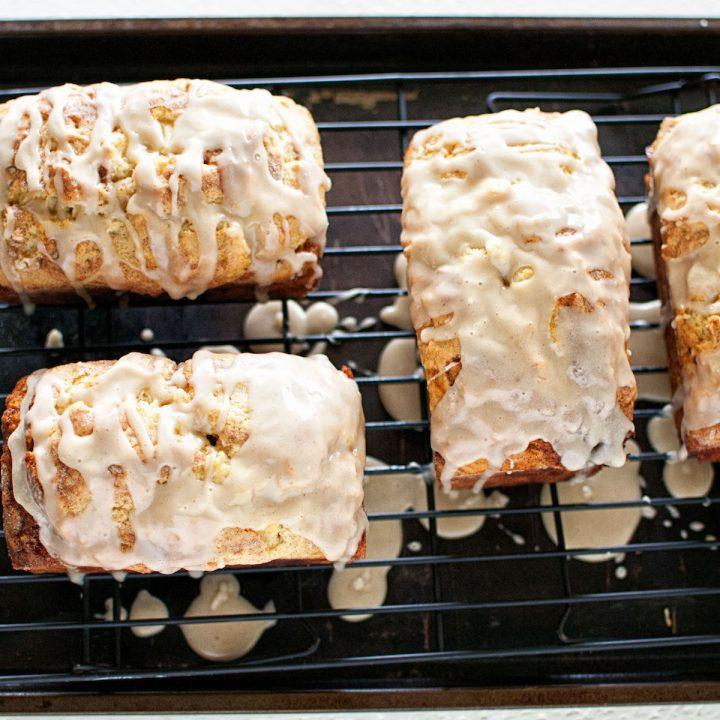 Apple Cinnamon Buttermilk Bread