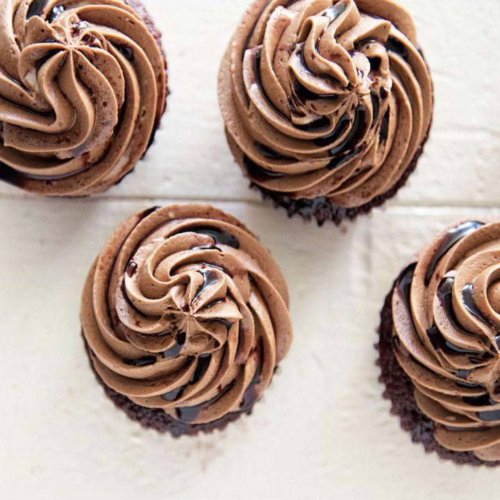 Kalimotxo Chocolate Red Velvet Cupcakes