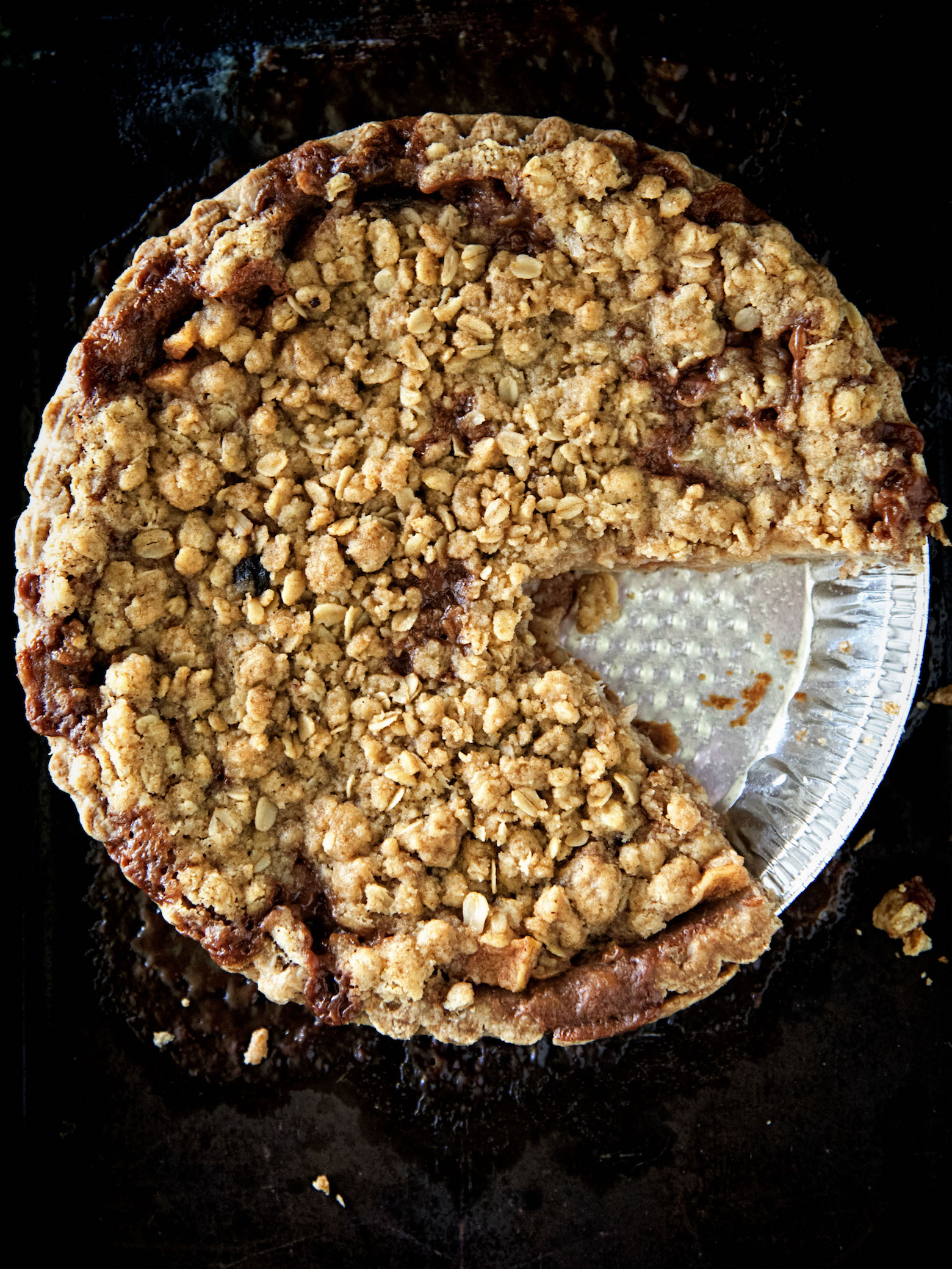 Oatmeal Crumble Caramel Apple Pie