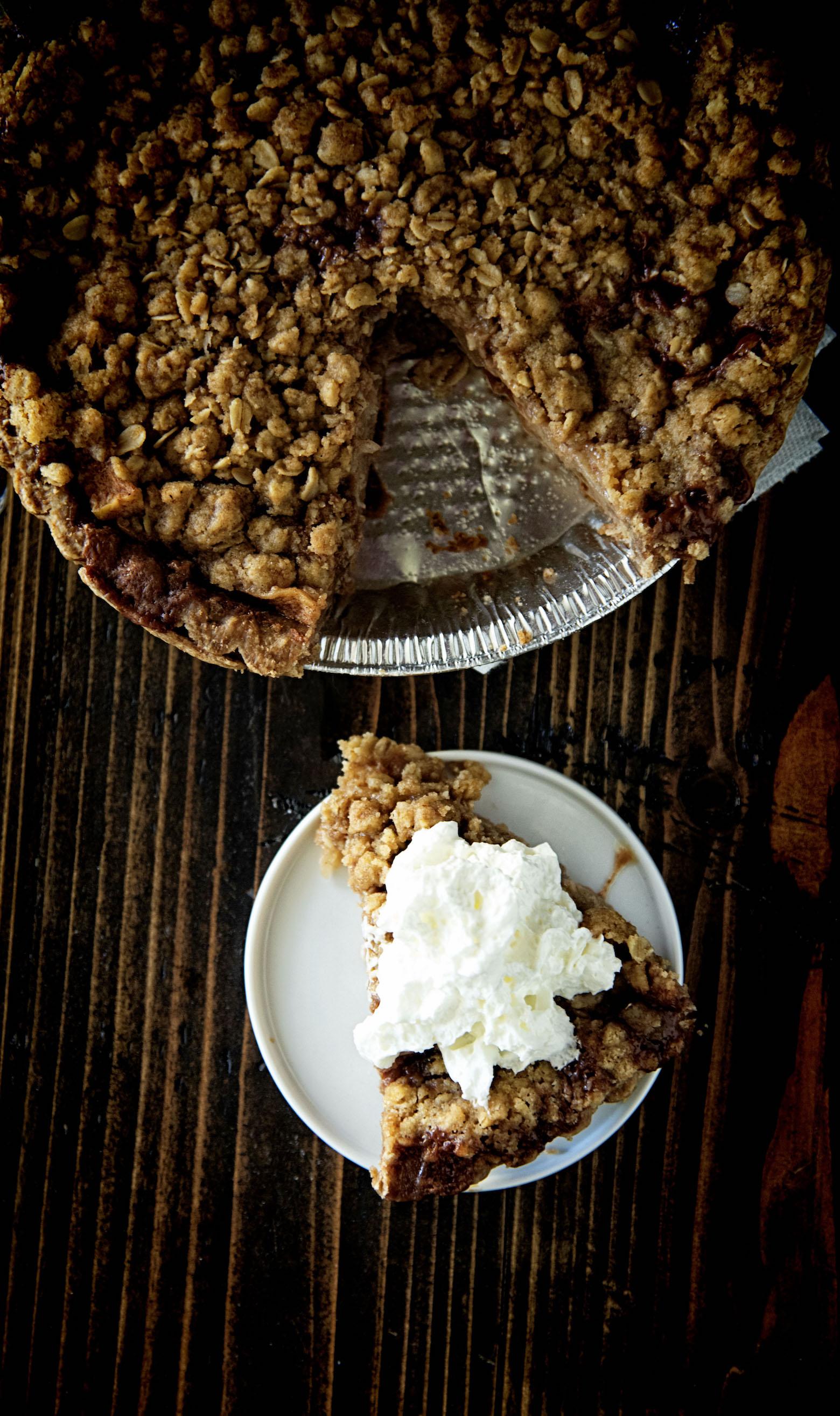 Oatmeal Crumble Caramel Apple Pie
