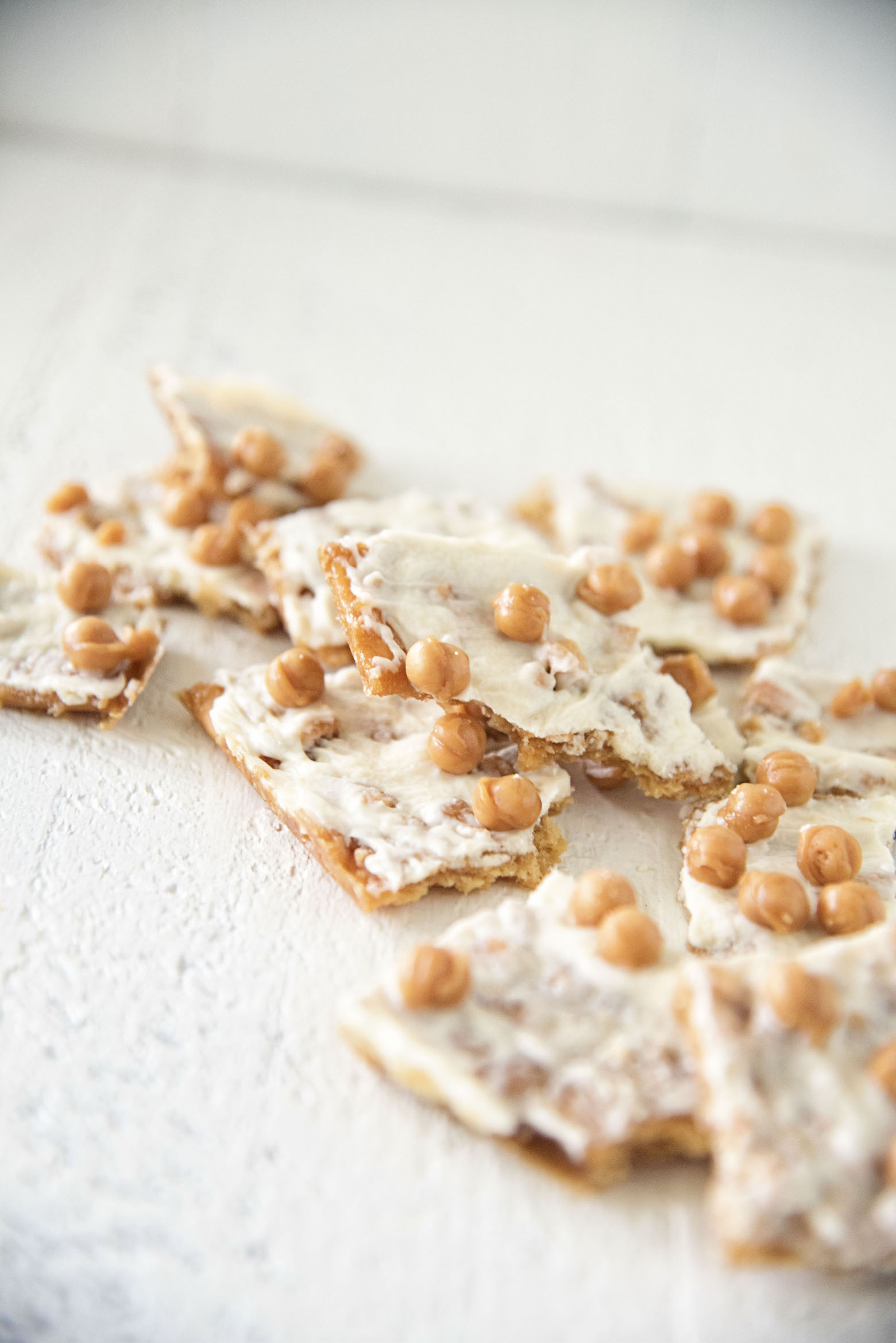 Caramel Apple Cracker Toffee