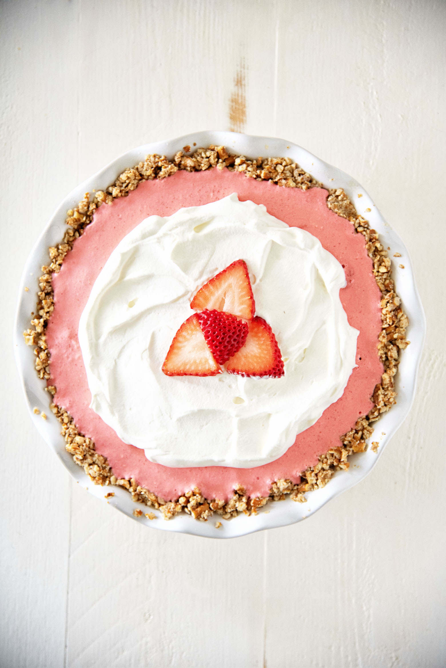 Strawberry Cream Cheese Pretzel Pie