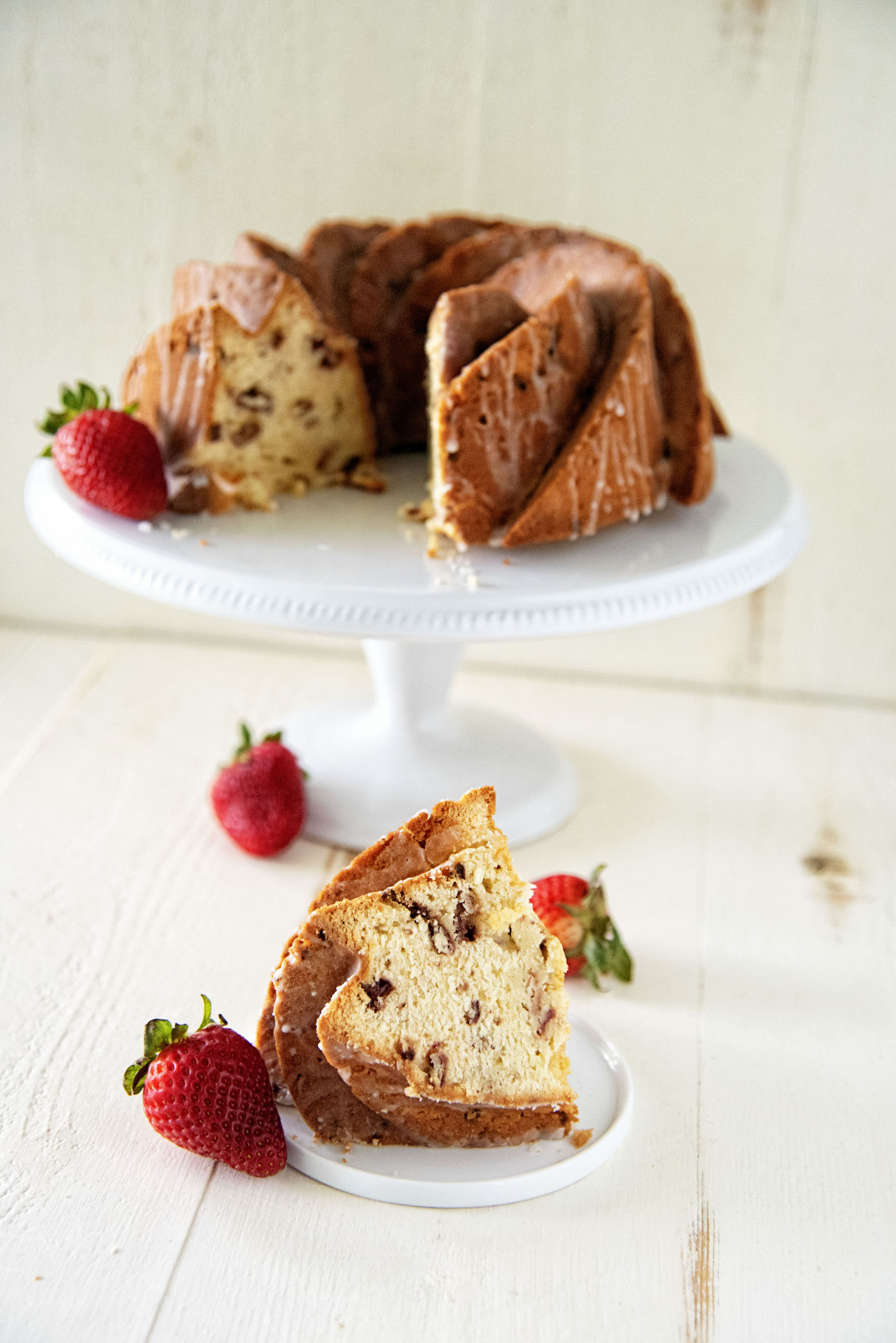 Strawberry Lemonade Bundt Cake