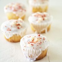 Strawberry Lemonade Glazed Cupcakes