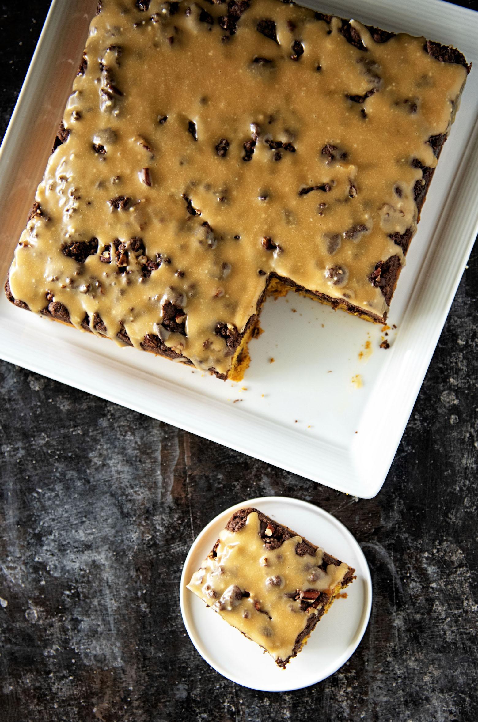 Caramel Turtle Pumpkin Crumb Cake