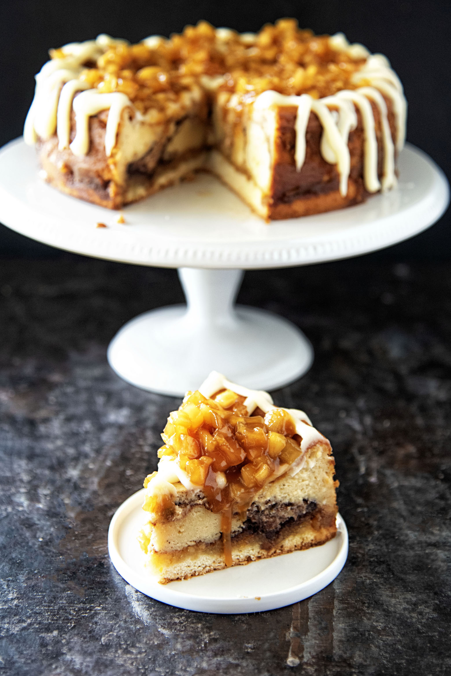 Cinnamon Roll Caramel Apple Cheesecake
