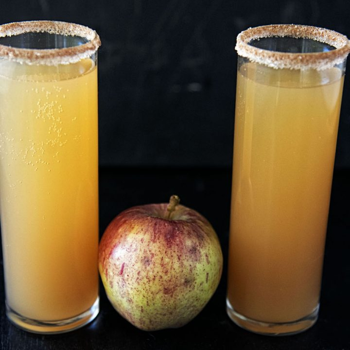 Snickerdoodle Apple Cider Mimosa