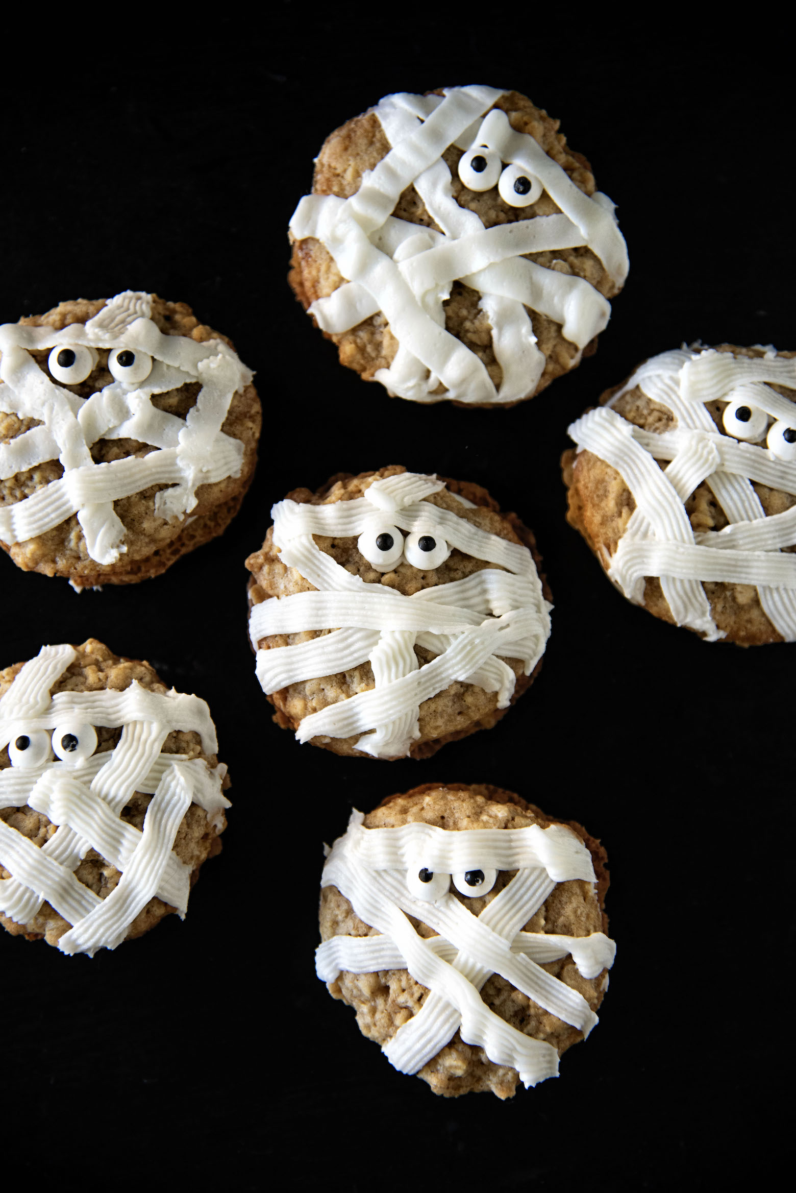 Maple Mummy Oatmeal Cookie Cream Pies
