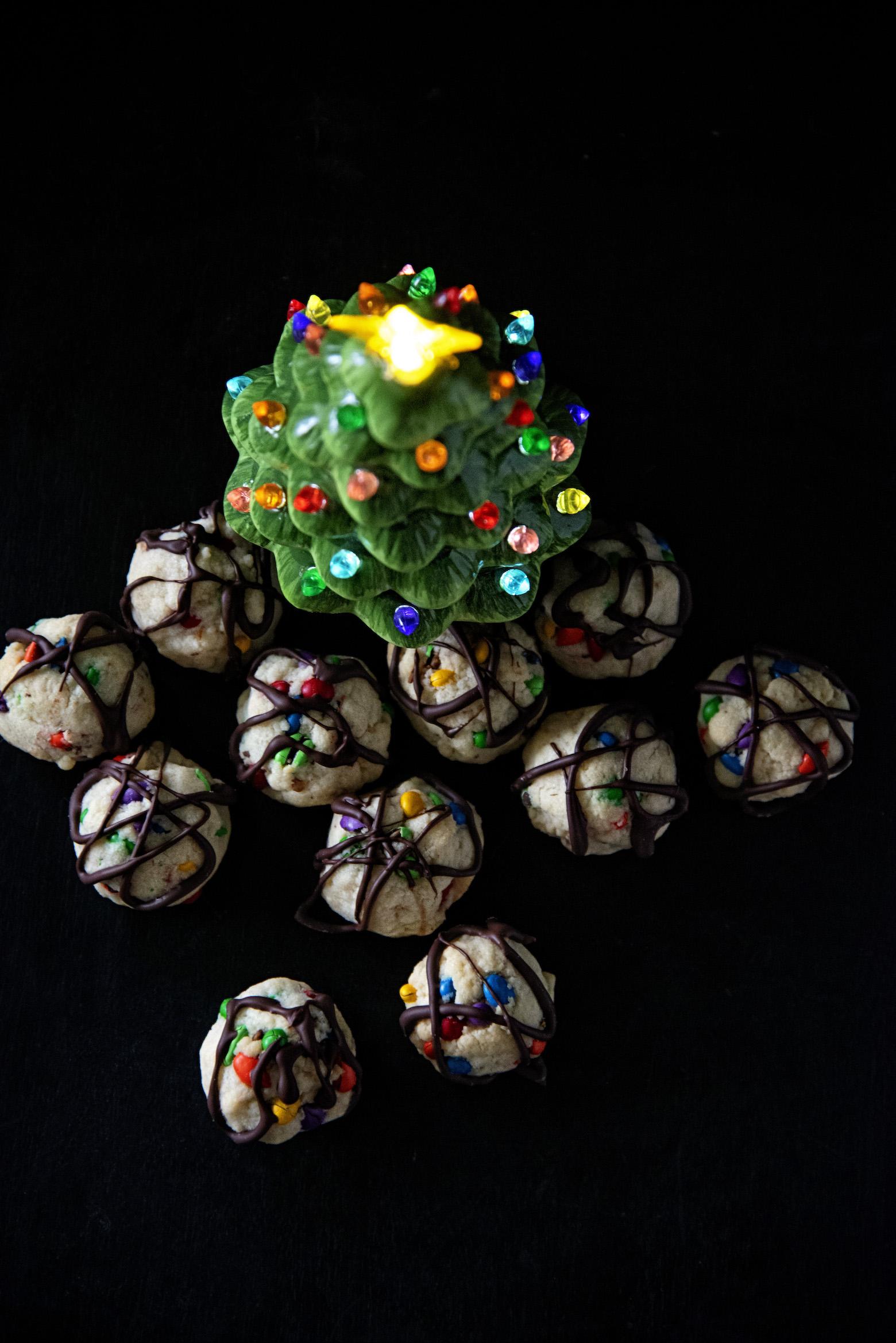 Tangled Christmas Lights Cookies