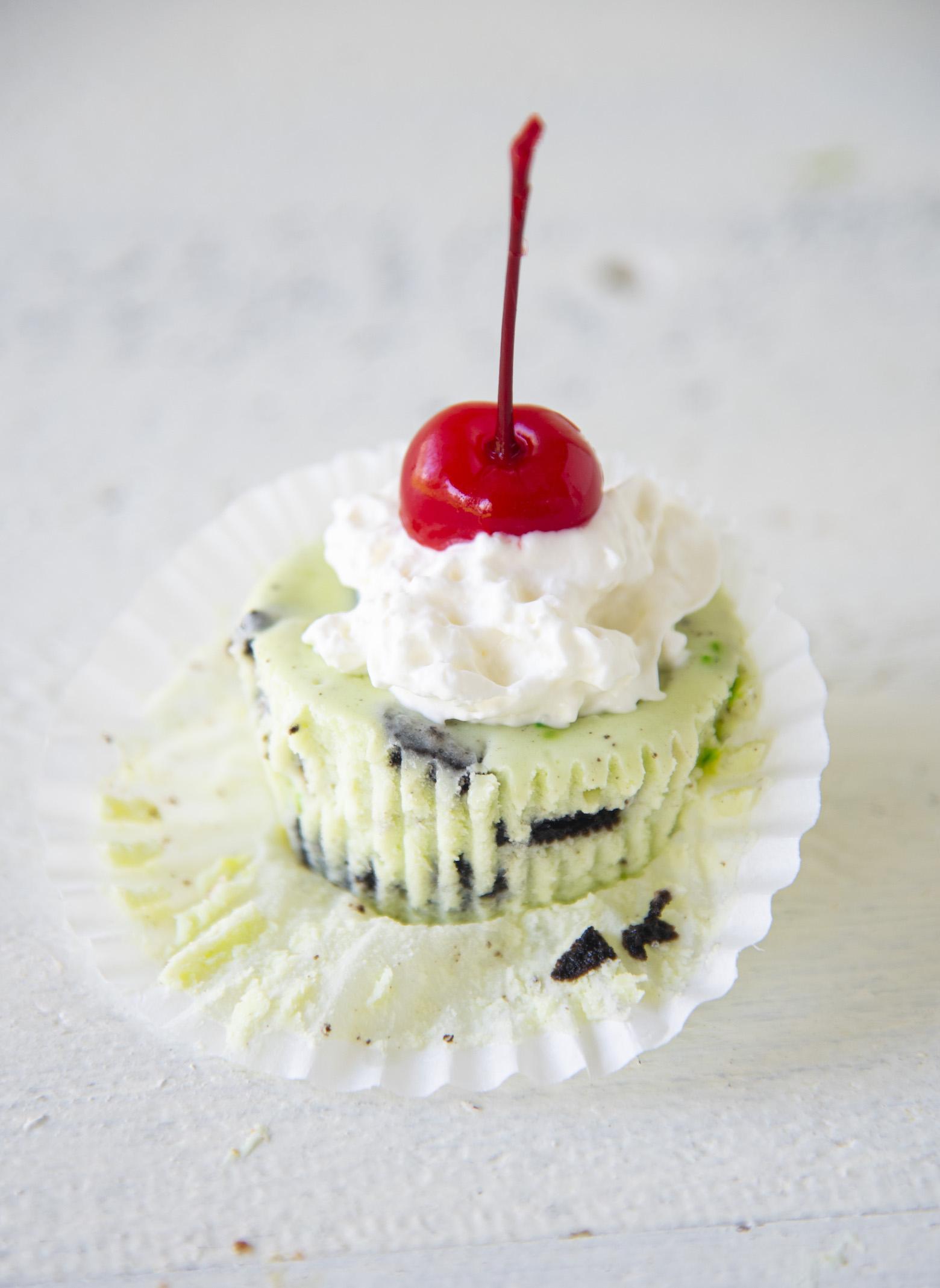 Oreo  Shamrock McFlurry Cheesecake Bites
