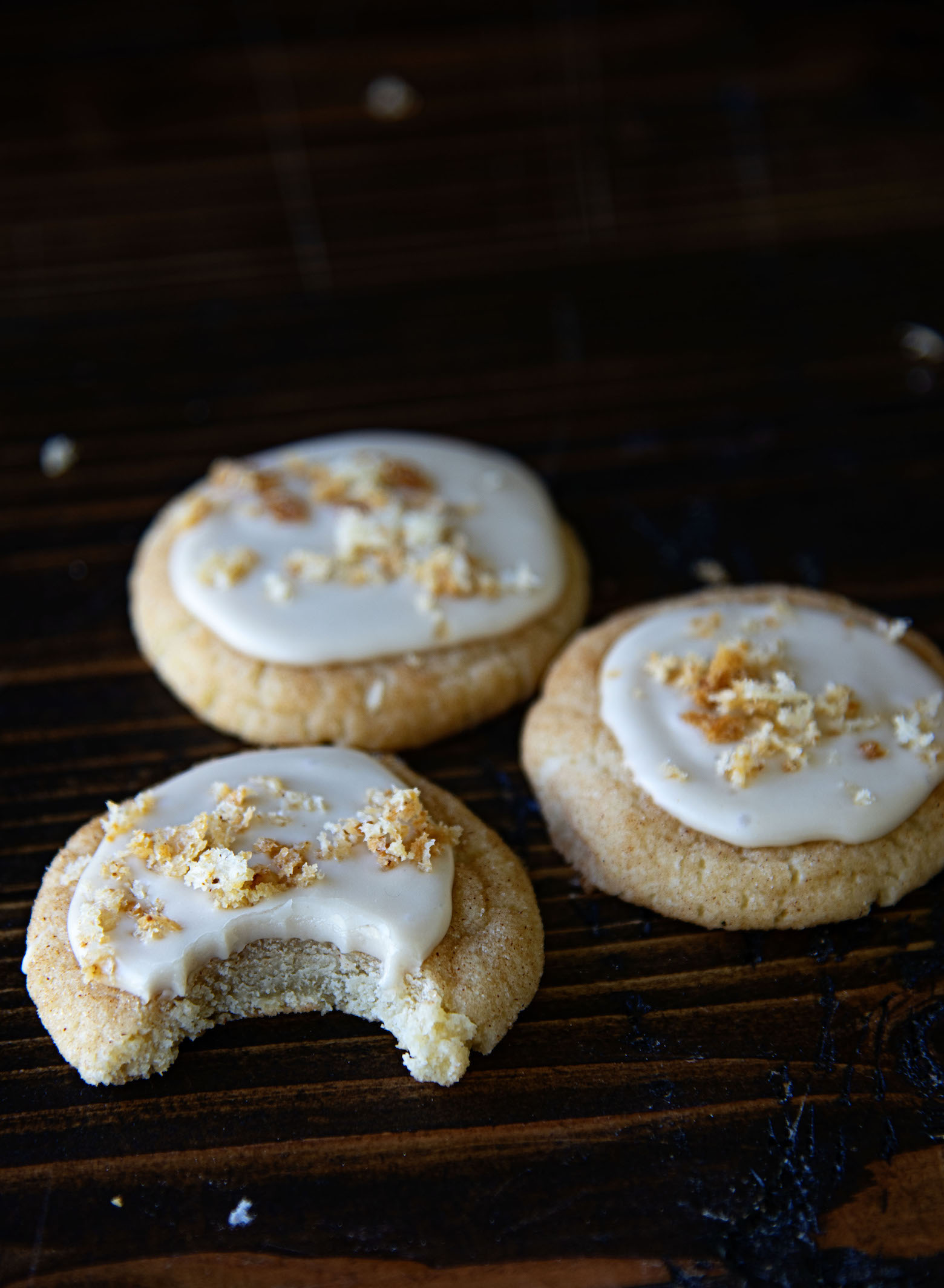French Toast Cookies with Maple Glaze