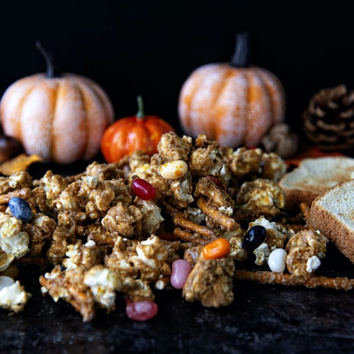 Charlie Brown Thanksgiving Caramel Corn