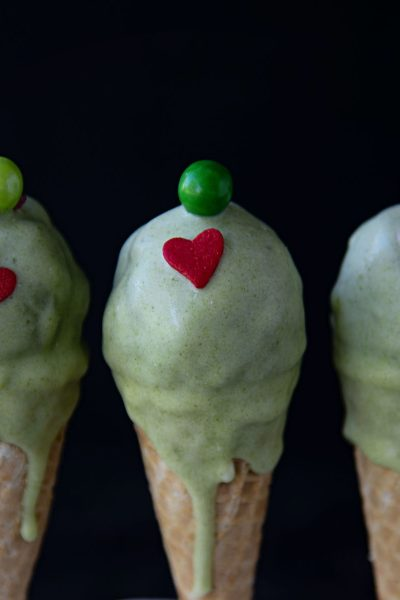 The Grinch Vanilla Cake Pops