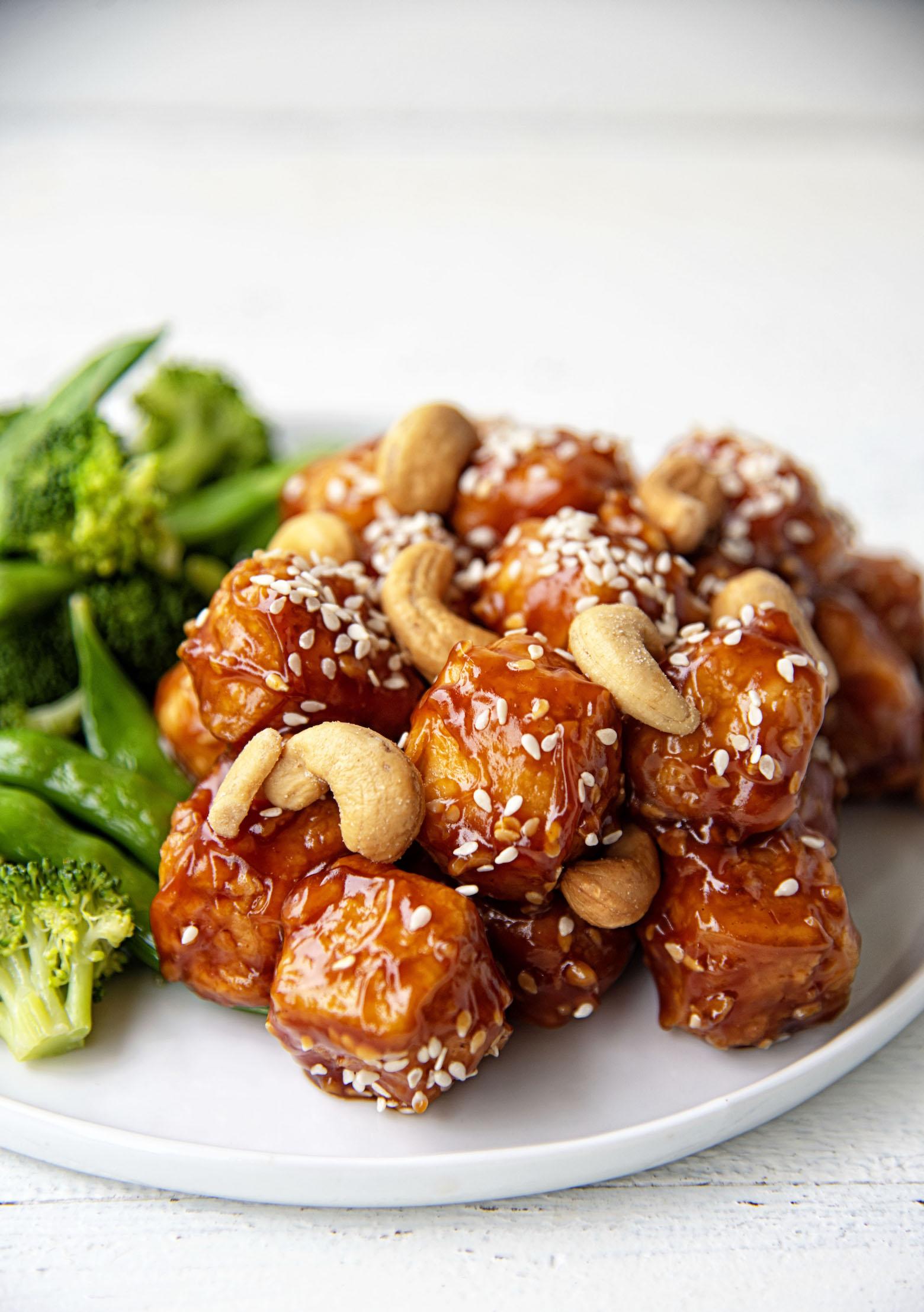 Crispy Sesame Cashew Tofu