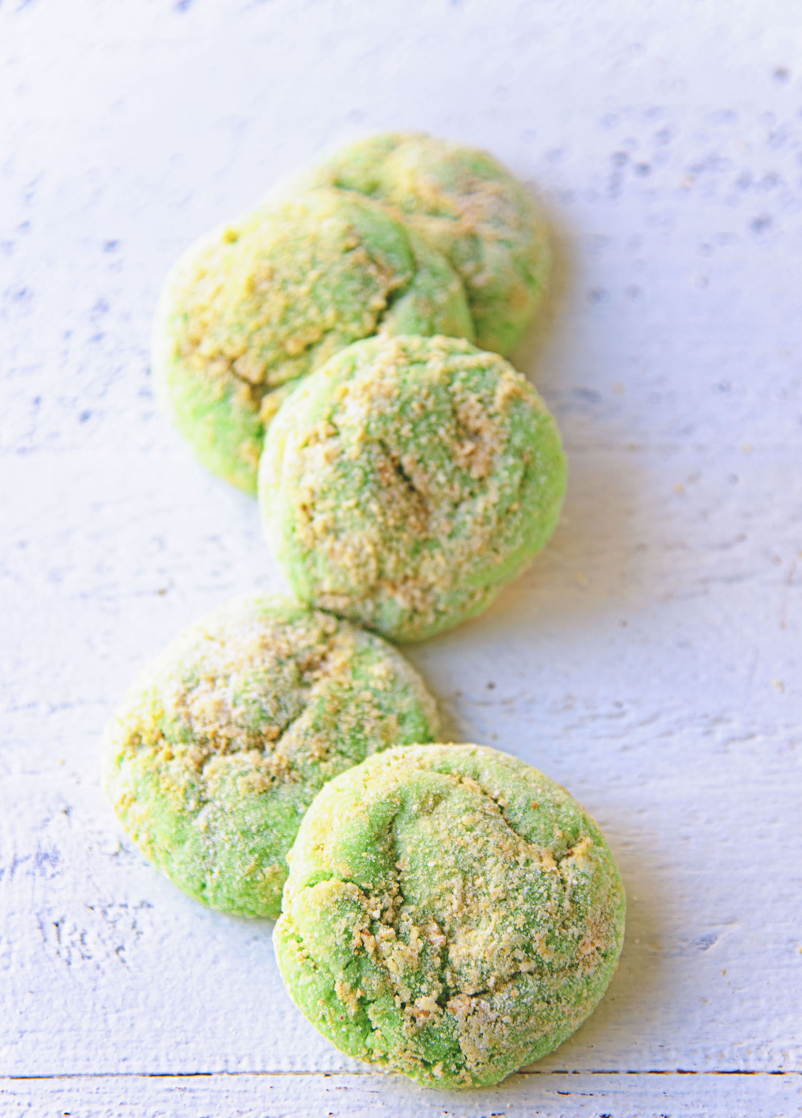 Row of Key Lime Pie Crinkle Cookies