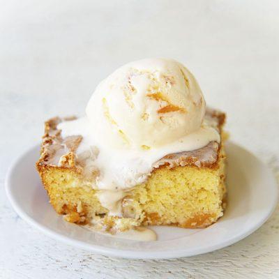 Peach Honey Bun Cake